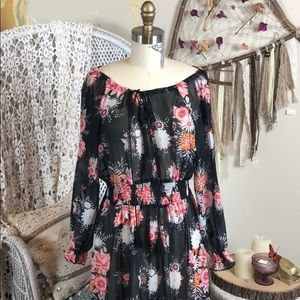 Dresses & Skirts - Black floral boho dress